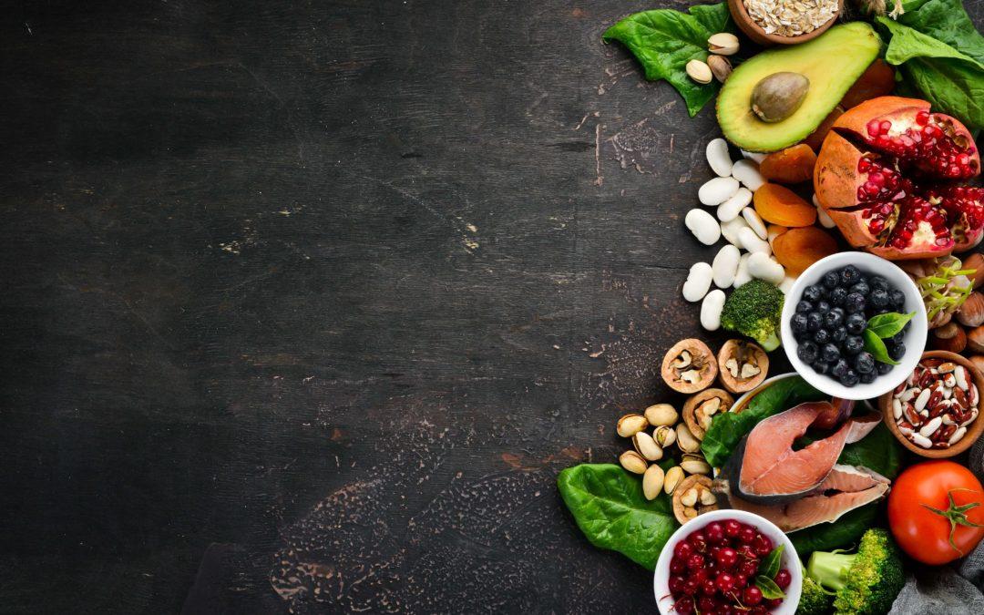 12 najlepších vitamínov a minerálov na budovanie svalov a spaľovanie tuku