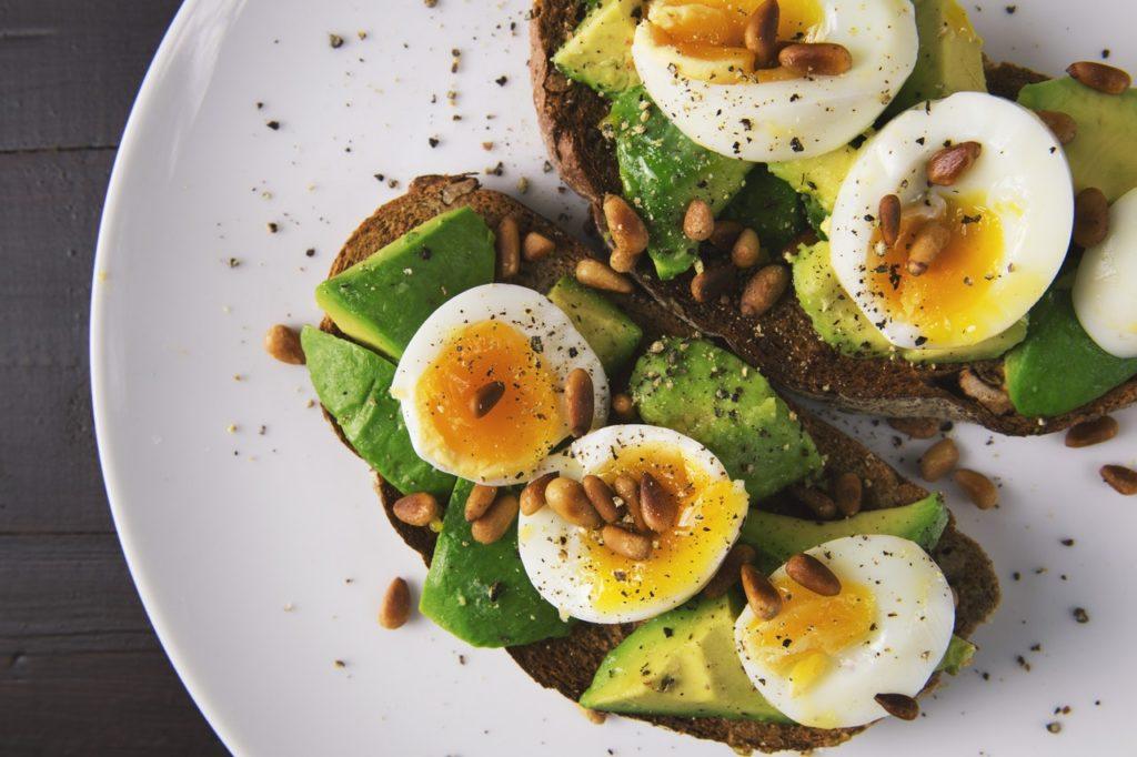 riboflavín - vajcia a celozrnný chlieb