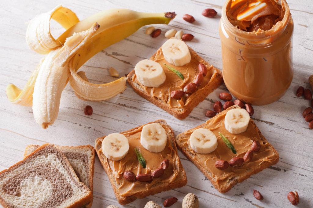 Arašidové maslo a banán